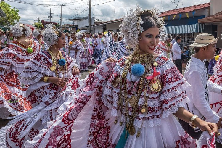 Women in the national pollera dress, Panama