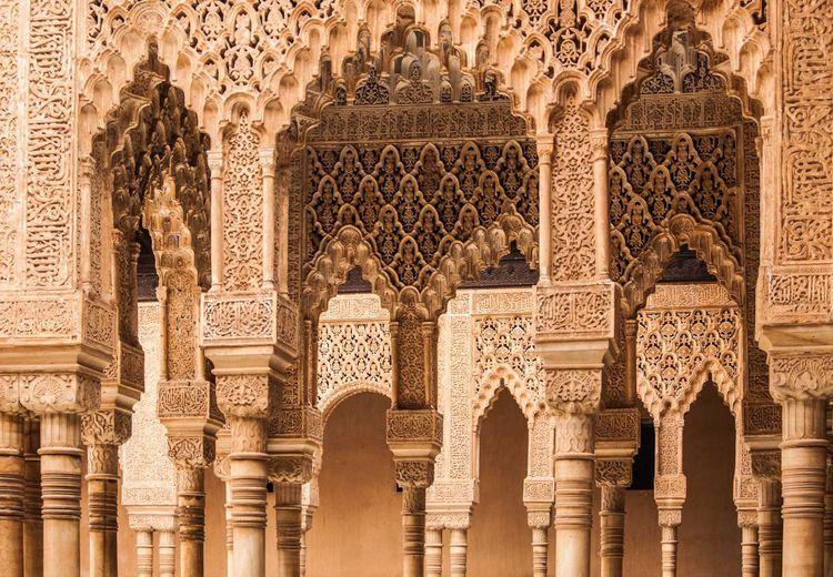 alhambra-shutterstock_159154781