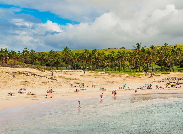 anakena-easter-island-beaches-chile