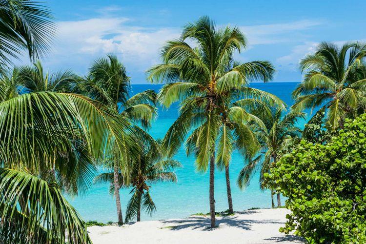 beach-sand-water-carribean-varadero-cuba-shutterstock_1066130141