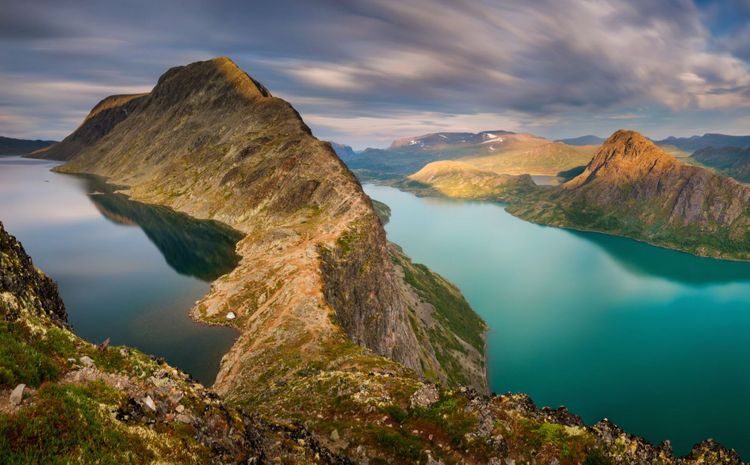 Besseggen-Ridge-norway-shutterstock_1179430483