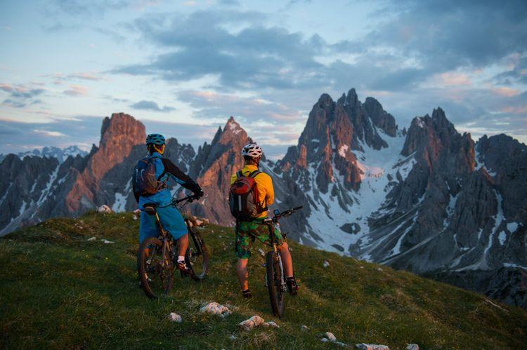 bike-dolomites-italy-shutterstock_631781321