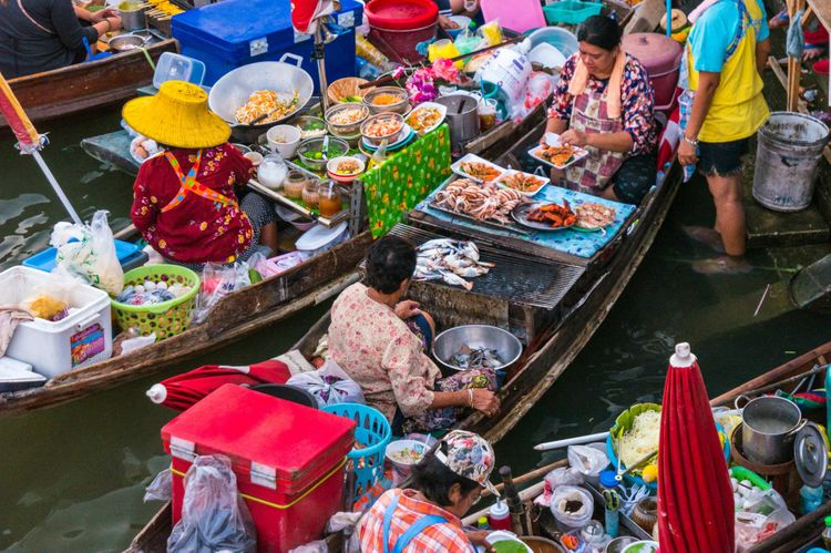 boats-floating-market-thailand-shutterstock_415641943