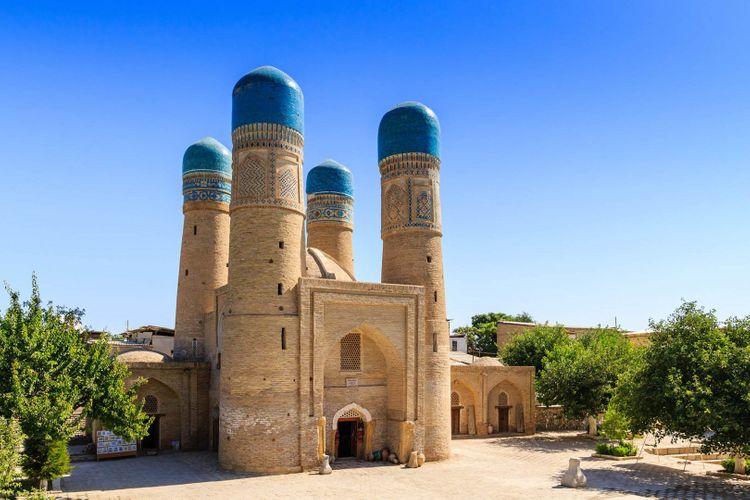 Bukhara-Uzbekistan-shutterstock_289139663