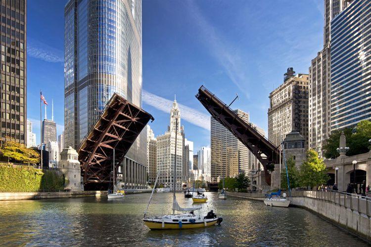 chicago-shutterstock_160991363