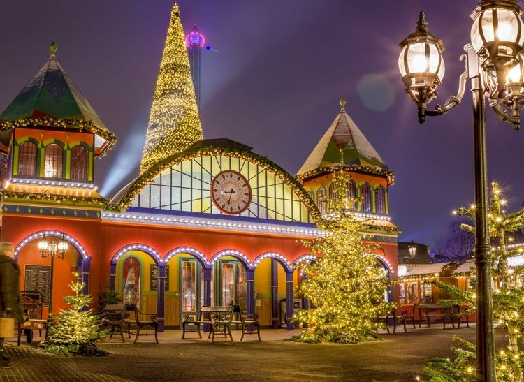 copenhagen-christmas-shutterstock_1190917141
