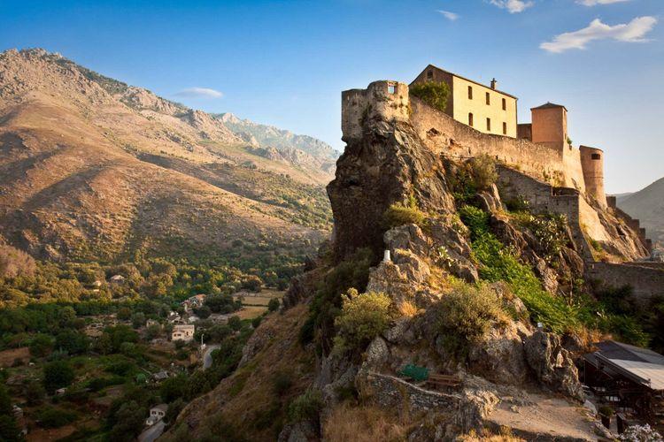 corte-citadel-corsica-shutterstock_49543747