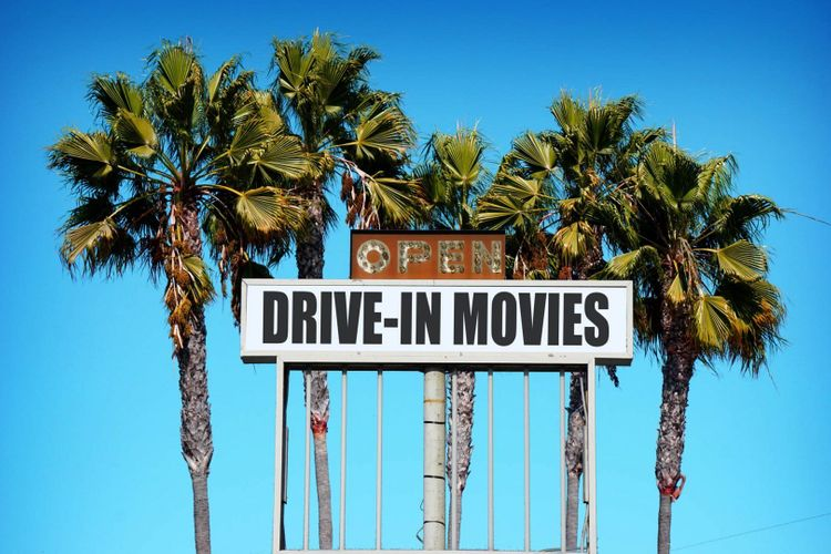 drive-in-movies-shutterstock_498934717