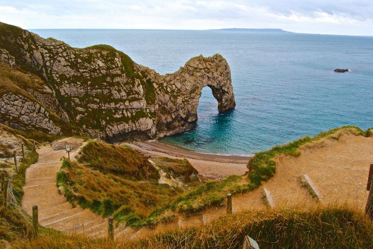 durdle-door-shutterstock_189299375