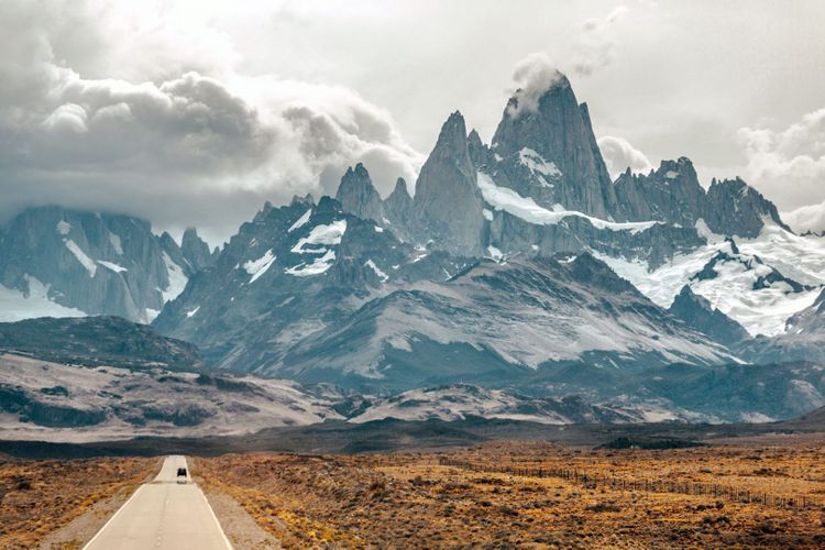 fitz-roy-argentina-patagonia-shutterstock_339107408