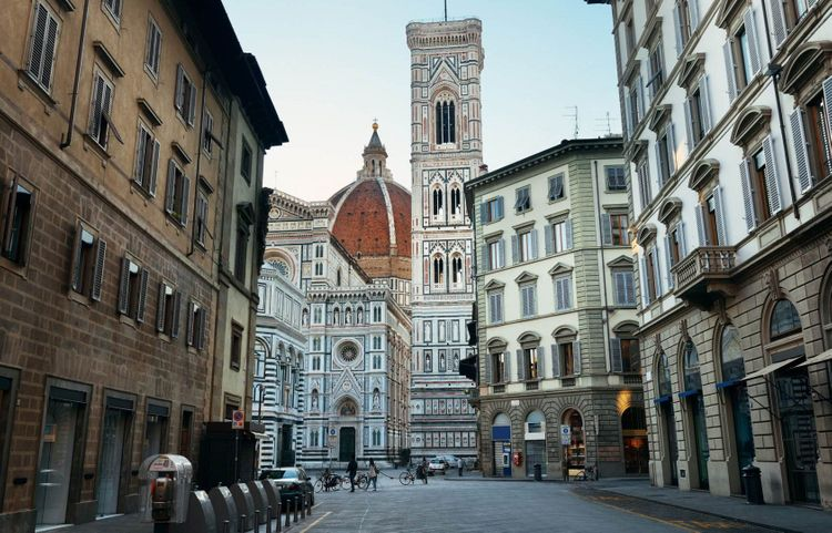 Duomo Santa Maria Del Fiore in Florence Italy © Songquan Deng/Shutterstock