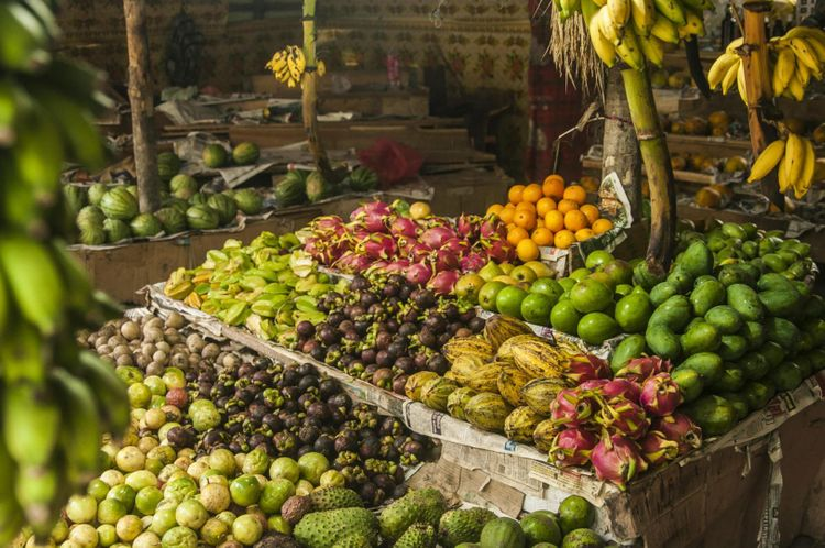 fruits-market-sri-lanka-shutterstock_747951898