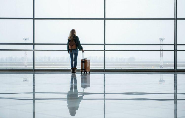 girl-airport-shutterstock_1006698055