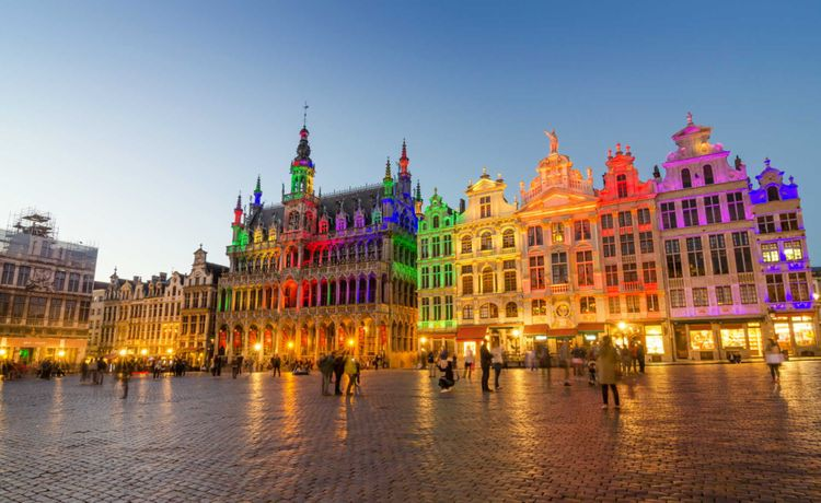 grand-place-brussels-belgium-shutterstock_286144574