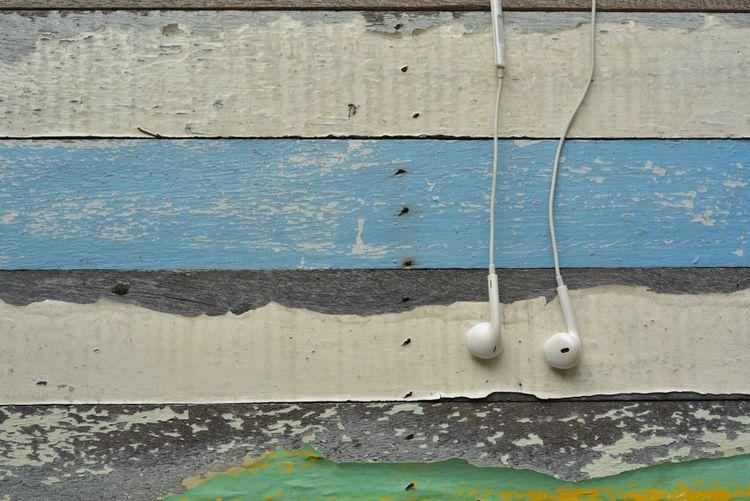 headphones-shutterstock_1066824788