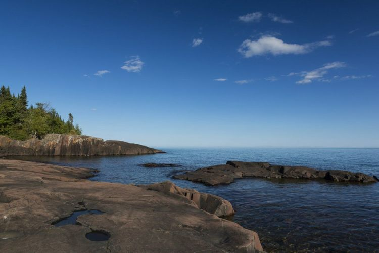 lake-superior-usa-shutterstock_156533753