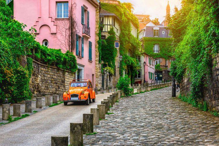 montmartre-paris-france-shutterstock_749469604