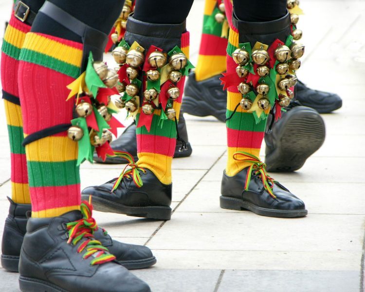 morris-dancers-uk-shutterstock_76059697