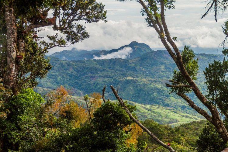 panama-mountains-shutterstock_781745131