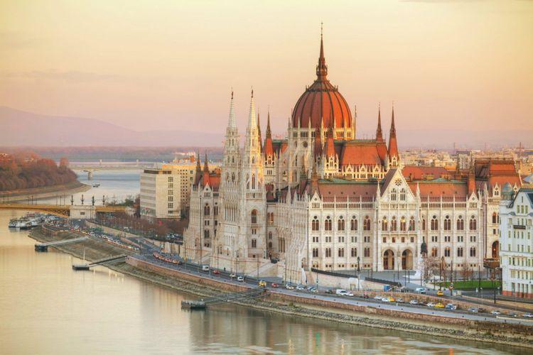 parliament-budapest-hungary-shutterstock_367955912