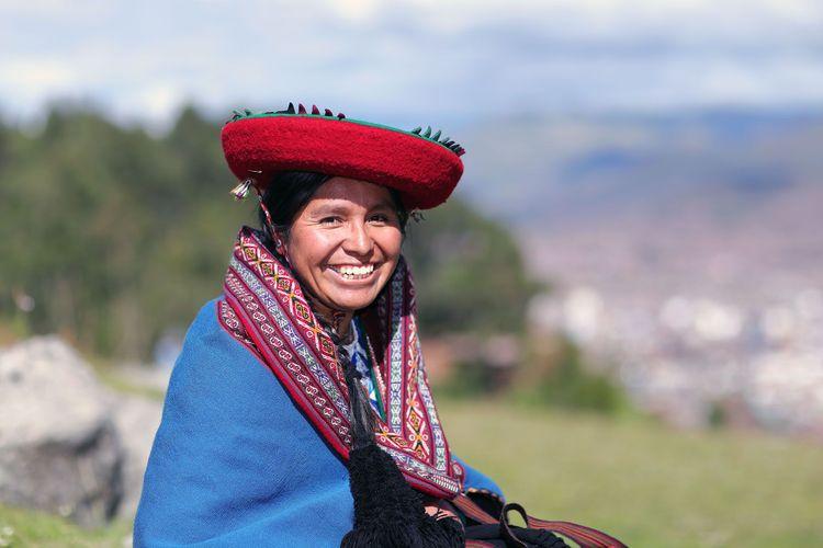 Woman in Cuzco, Peru © Marco Alhelm/Shutterstock