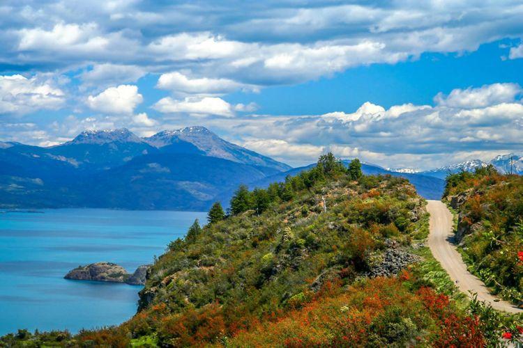 road-carretera-austral-lake-general-carrera-patagonia-chile-shutterstock_662116729