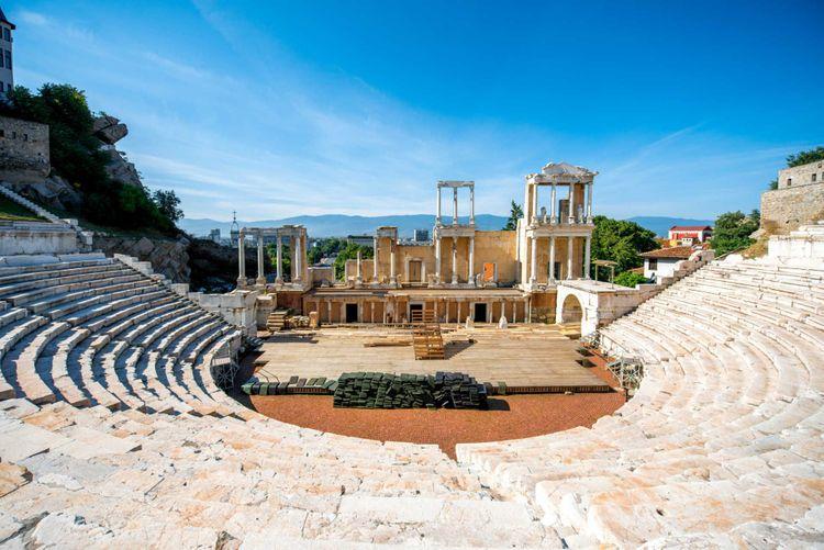roman-theatre-philippopolis-plovdiv-bulgaria-shutterstock_284589146