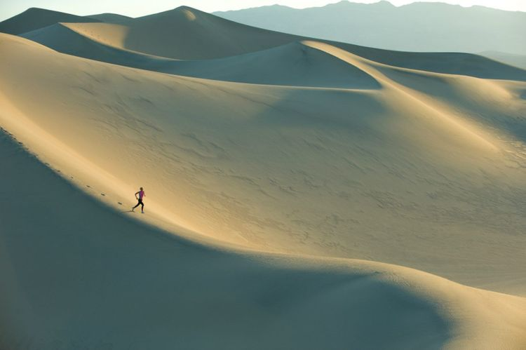 run-dunes-desert-sand-shutterstock_49088092