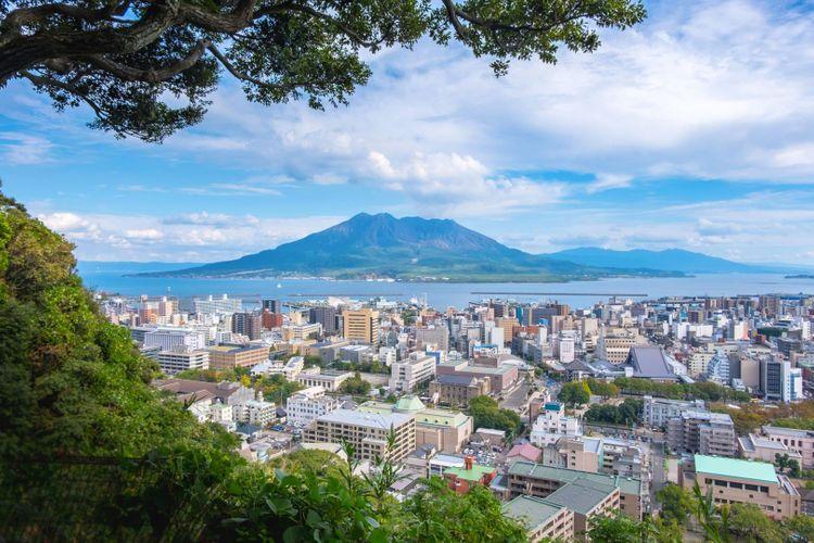 Sakurajima-japan_shutterstock_1259070373