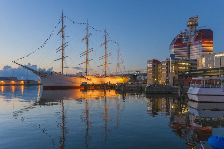 ship-harbour-gothenburg-sweden-shutterstock_1103693309