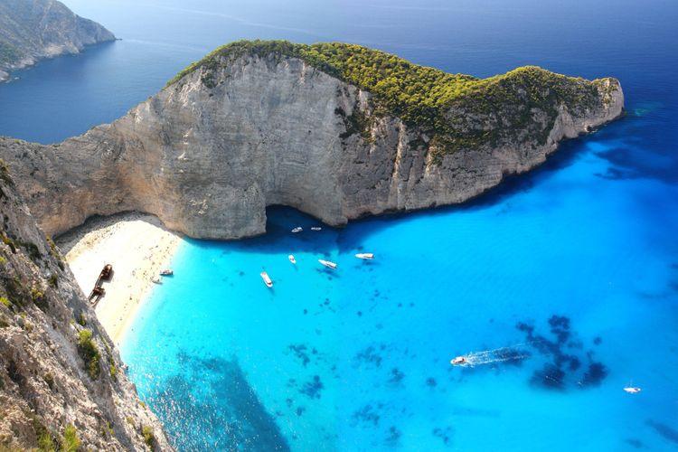 Shipwreck-Bay-Zakynthos-best-beaches-in-Greece