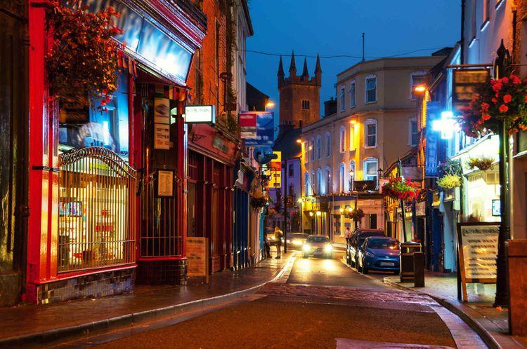 street-night-ennis-ireland-shutterstock_477648799
