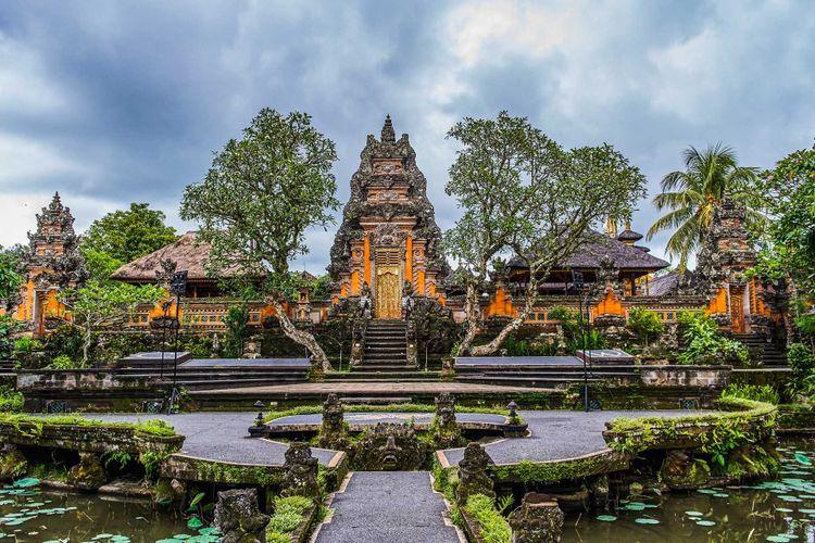 ubud-temple-bali-shutterstock_1059984686