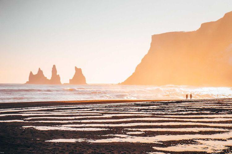 vik-black-sand-beach-shutterstock_1156143088