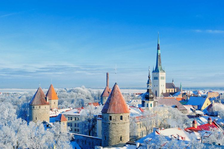 winter-tallinn-estonia-shutterstock_121788016