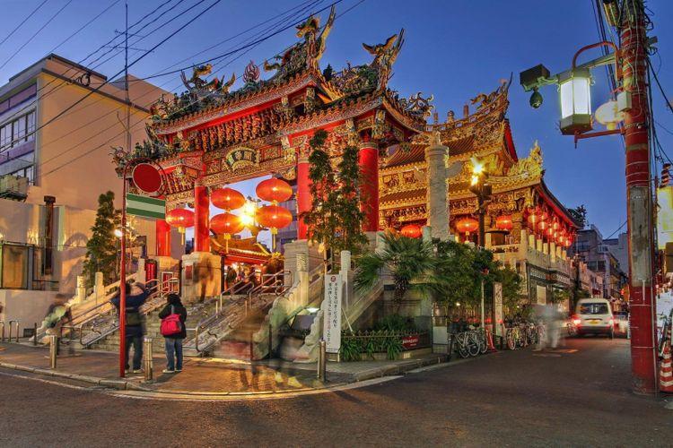 yokohama-chinatown-shutterstock_252780598